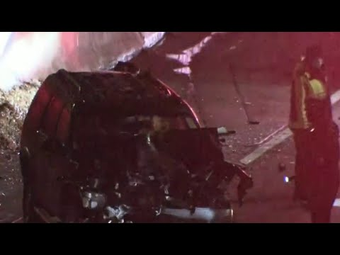 2 killed when car involved in crash was hit by oncoming Lodge Freeway traffic