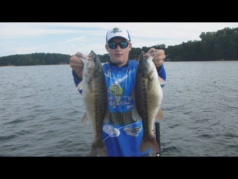 "Huge Bass Fishing Lake Lanier with ""Topwater and Jigs"""
