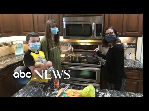 Volunteers, community provide Thanksgiving meals to those in need