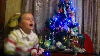 Вероника поёт для зрителей канала