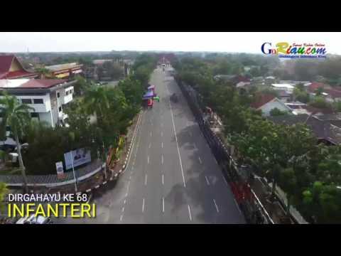 Video Udara: Jalan Gajah Mada Pekanbaru Dipenuhi Ratusan Prajurit Infanteri TNI AD