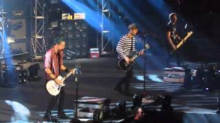 Castaway- 5 Seconds of Summer Live @ The Mall of Asia Arena
