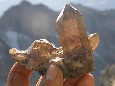 Kristalle - Auf der Suche nach Kristallen mit dem Berufsstrahler Werner Schmidt