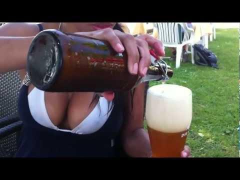 Servir una cerveza de trigo - correcta /// Weizenbier richtig einschenken