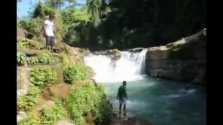 preview picture of video 'Nafakhum waterfall - Most beautiful place in Bangladesh'