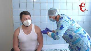 Вакцинація від коронавірусу: чи йдуть на щеплення хмельницькі медики