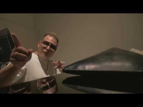 6ix9ine Pulls Up On Scott Storch To Make The Sickest Beat
