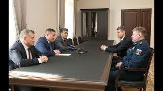 Губернатор Андрей Бочаров встретился с командующим ВДВ России Андреем Сердюковым