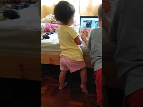 Toddler Dancing to All The Single Ladies Chipettes Version