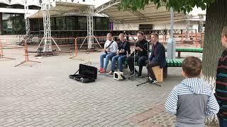 Проверка камеры iPhone 7. Уличные музыканты. Круто поют. Смешные пацаны. Смотреть всем