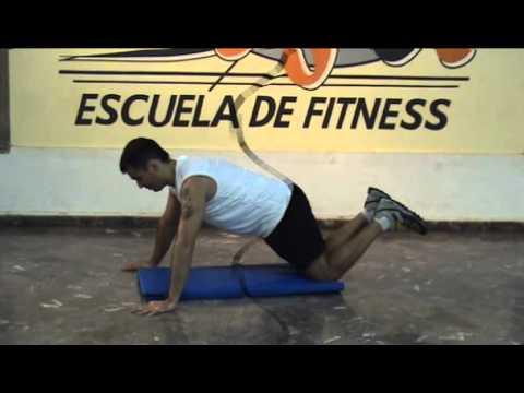 Cómo realizar flexiones de brazos con apoyo de rodillas