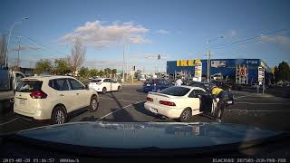 Driver runs red light and crashes - Clayton VIC