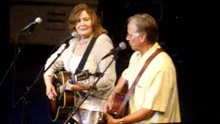 Linda  and Robin Williams  If I Should Fall behind ( Springsteen cover )