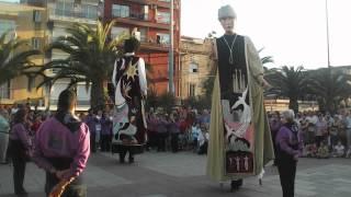 preview picture of video 'Ball aniversari. Gegants Agrupació (Olesa de Montserrat, 16 juny 2012)'