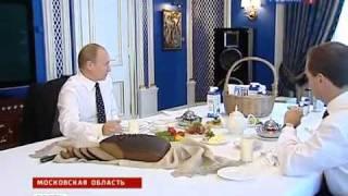 Медведев и Путин обсудили кто следующий за Лужковым