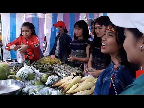 Hội chợ ẩm thực, thi đồng ca ca khúc cách mạng kỷ niệm 37 năm ngày nhà giáo Việt Nam