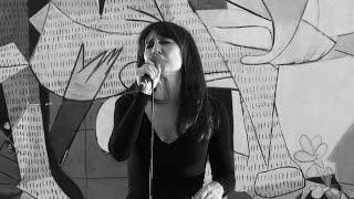 Llévame muy lejos de Amaral en SuenaGuernica de Radio 3 musicMW WomenMW