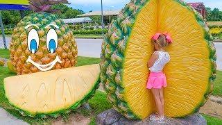Настя и папа - Учим названия экзотических фруктов Видео для детей Nastya learning names of fruits
