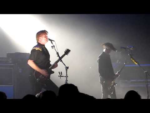 """The Bronze"" Queens of the Stone Age (live) 2011"