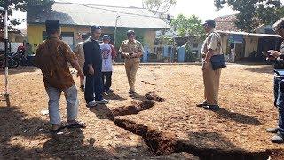 Dua Hari Sebelum Sebidang Tanah di Cimanggis Depok Terbelah, Muncul Garis Tipis di Lapangan