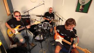 Just Talking by Howlin Dogs Live: Original band from Reading UK playing funk and rock