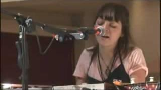 Natalia Lafourcade - Ella Es Bonita (En Galerías Coapa)