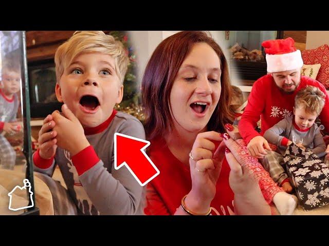 EMOTIONAL CHRISTMAS PET SURPRISE! - Daily Bumps 2019 Christmas SPECIAL!