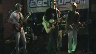 Banda Electropop - Nem 5 Minutos Guardados (cover Titãs)