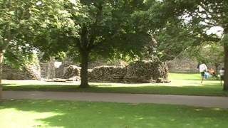 preview picture of video 'Bury St Edmunds Abbey Gardens'