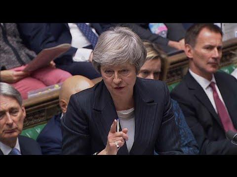 Κοινοβουλευτικός διάλογος για τo Brexit: Δύσκολες στιγμές για την Μέι…