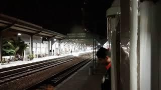 preview picture of video 'KA 12 Argo Sindoro masuk jalur 3 Stasiun Tegal'