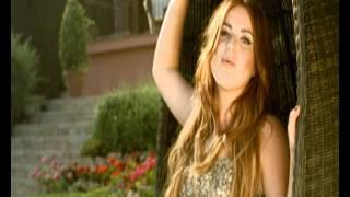 Summer Love - Daniela Brooker  (Video)