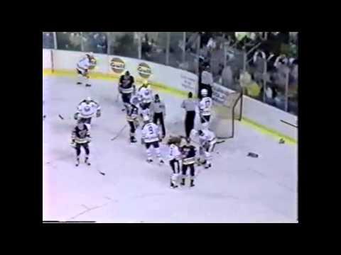 Clint Malarchuks tragischer ice-hockey Unfall ( Full HD) 1080p!