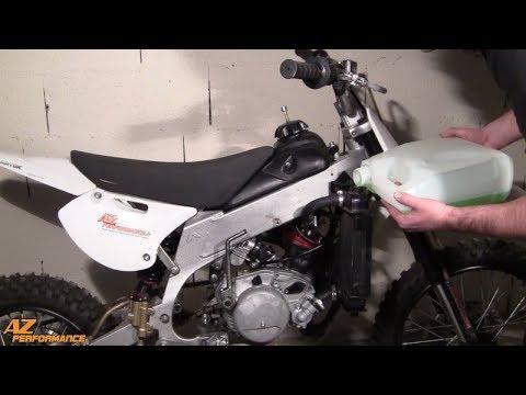 Tuto remplacement du liquide de refroidissement sur une moto 50cc équipée d'un moteur Minarelli AM6