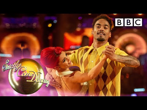 Dev and Dianne Foxtrot to 'Build Me Up Buttercup' | Week 1 - BBC Strictly 2019