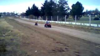 preview picture of video 'Juan y el cuatri + axel en el karting'