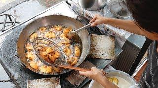 Epic MALAYSIAN STREET FOOD TOUR - SARAWAK, Borneo STREET FOOD
