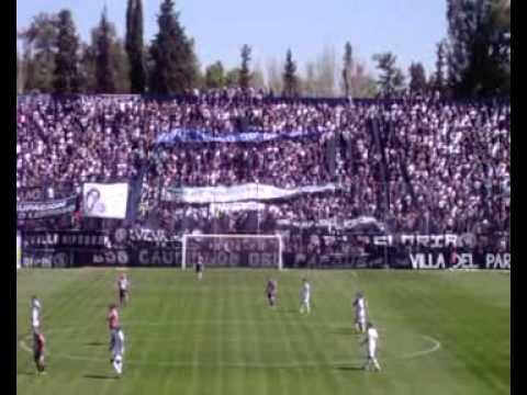 """""""Independiente Rivadavia ... Trapo Bodeguero """"HOY TENGO 90´DE VIDA!"""""""" Barra: Los Caudillos del Parque • Club: Independiente Rivadavia"""
