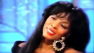 Love's About To Change My Heart - Donna Summer ( Live )