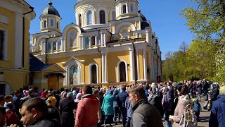Пасхальный крестный ход в Покровском монастыре