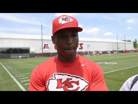 Chiefs' secondary/cornerbacks coach Al Harris