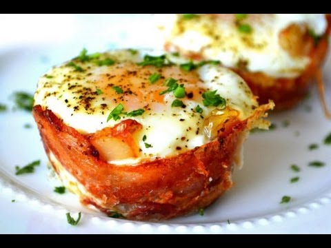 Mini Bacon Egg Toast Breakfast Cups: Mother's Day Brunch
