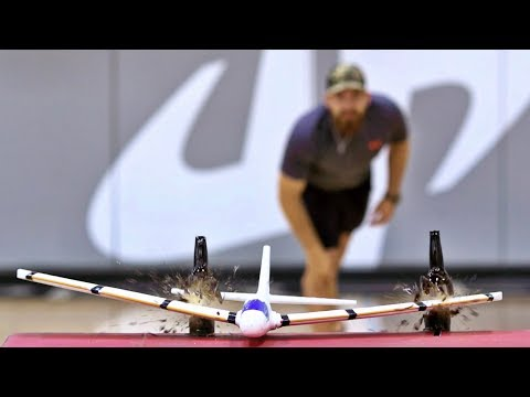 Airplane Trick Shots | Dude Perfect (видео)