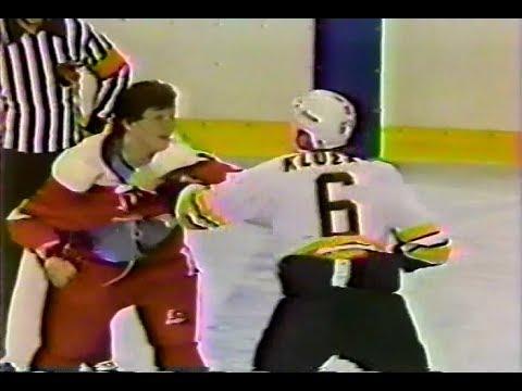 Bob Probert vs Gord Kluzak