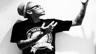 "Chris Brown ""Gettin Money"""