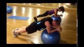 preview picture of video 'Miguel y sofia ejercicios de pilates en holiday gym princesa Javier Panizo entrenador personal'