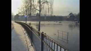 preview picture of video 'Hochwasser in Bernburg 2003'