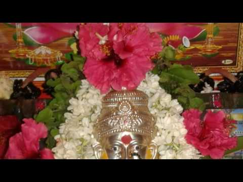Goravanahalli lakshmi song ( ತುಪ್ಪದಿಂದ  ಗುಡಿಯ  ದೀಪ  ಬೆಳಗಬನ್ನಿರಿ  )