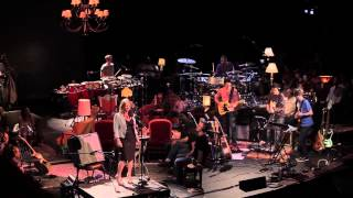 Snarky Puppy feat Lucy Woodward - He Got Away (Family Dinner Volume One)