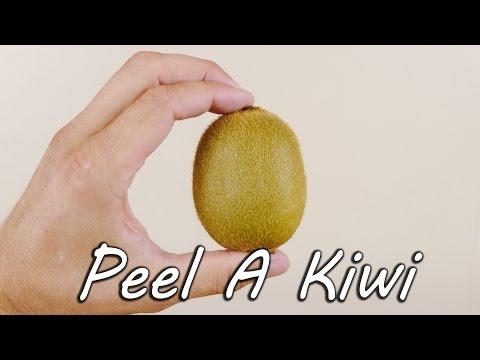 Slik skreller du en kiwi